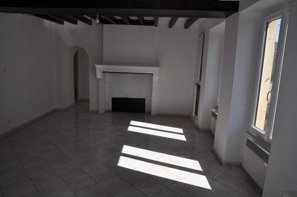 Maison à louer 4 88m2 à Donzy vignette-2