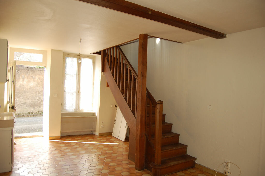 Maison à louer 2 34m2 à Saint-Satur vignette-1