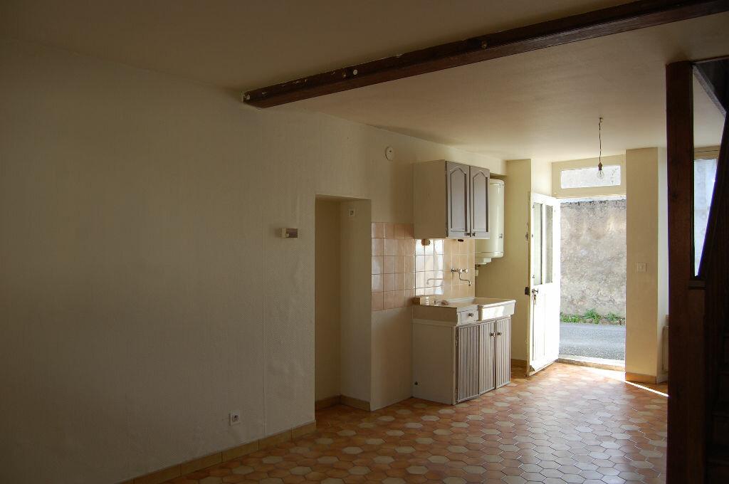 Maison à louer 2 34m2 à Saint-Satur vignette-2