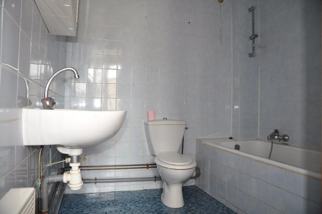 Maison à louer 2 58m2 à Savigny-en-Sancerre vignette-4