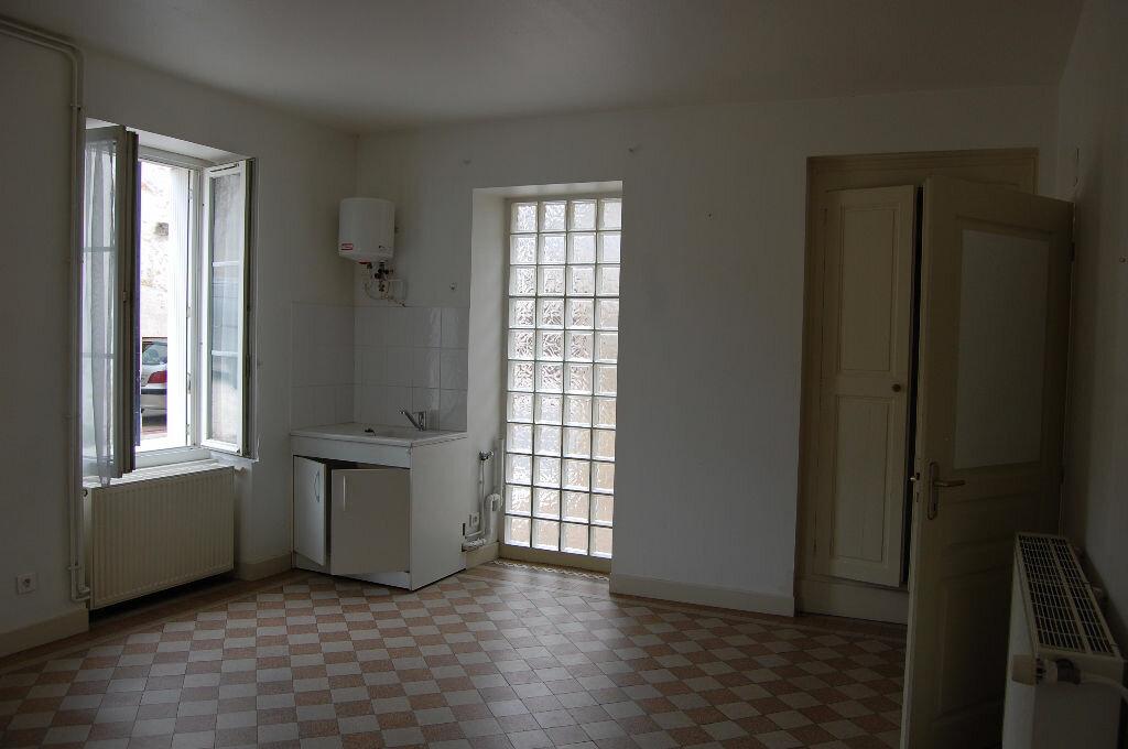 Maison à louer 3 60m2 à Sancerre vignette-4
