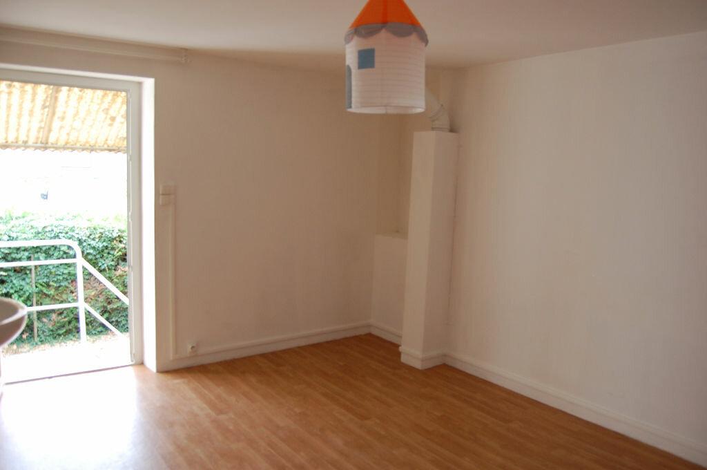 Maison à louer 3 60m2 à Sancerre vignette-14