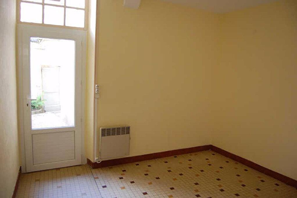 Appartement à louer 2 67m2 à Sancerre vignette-4