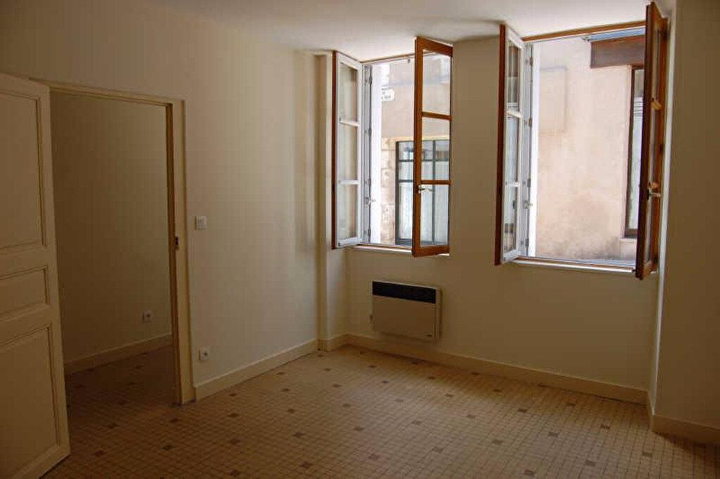 Appartement à louer 2 67m2 à Sancerre vignette-5