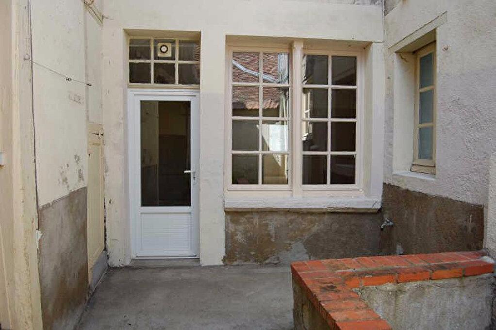 Appartement à louer 2 67m2 à Sancerre vignette-9