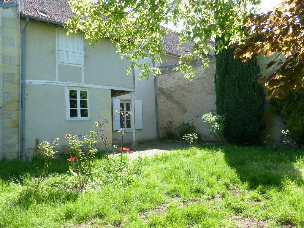 Maison à louer 4 130m2 à Donzy vignette-4