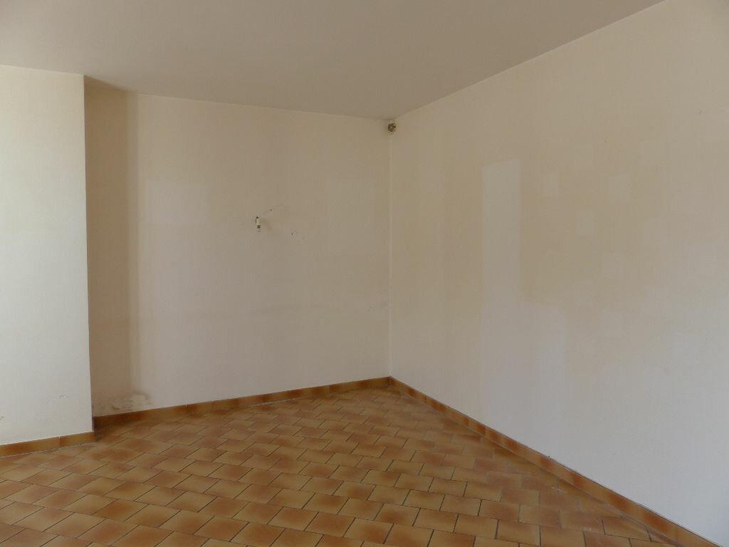 Maison à louer 4 130m2 à Donzy vignette-9