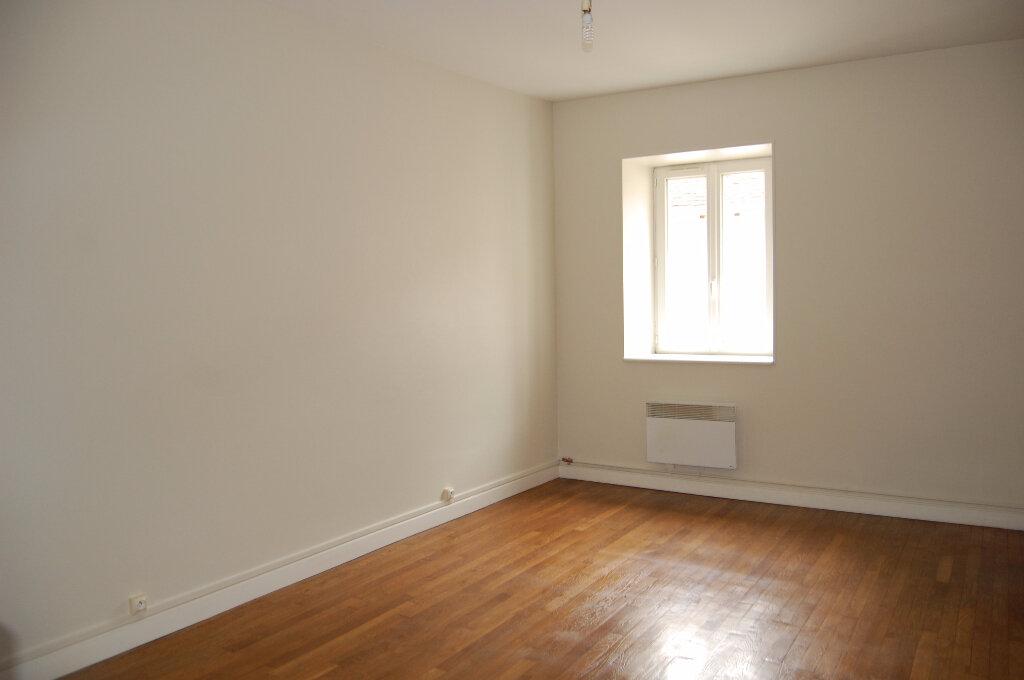 Appartement à louer 3 75m2 à Crézancy-en-Sancerre vignette-6