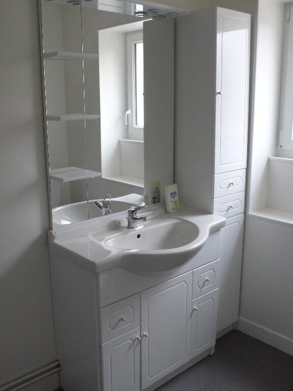 Appartement à louer 2 58m2 à Cosne-Cours-sur-Loire vignette-4