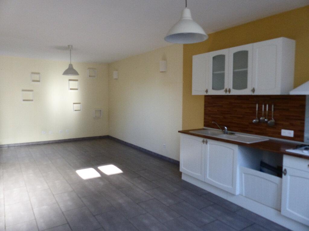 Maison à louer 4 106m2 à Pouilly-sur-Loire vignette-2