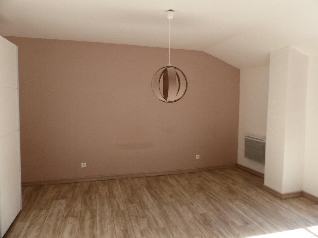 Maison à louer 4 106m2 à Pouilly-sur-Loire vignette-4