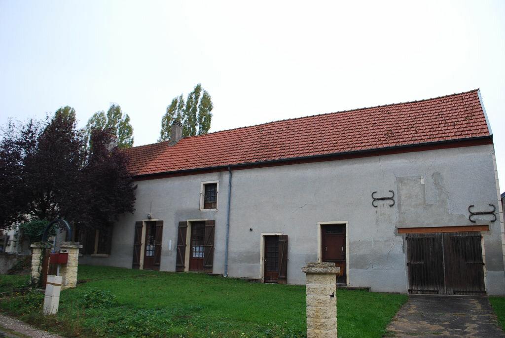 Maison à vendre 4 79m2 à Saint-Quentin-sur-Nohain vignette-1