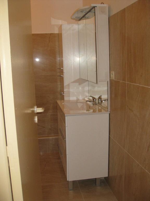 Appartement à louer 3 68m2 à La Charité-sur-Loire vignette-8