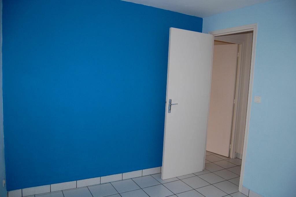 Appartement à louer 3 57m2 à Bué vignette-12