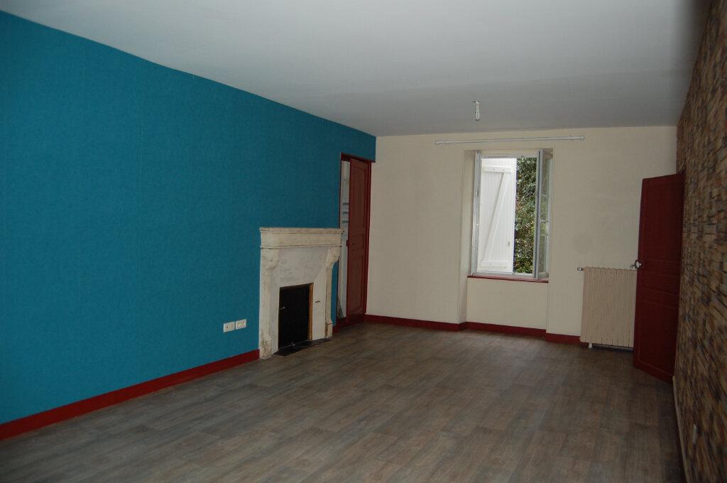 Maison à louer 5 153m2 à Saint-Satur vignette-2
