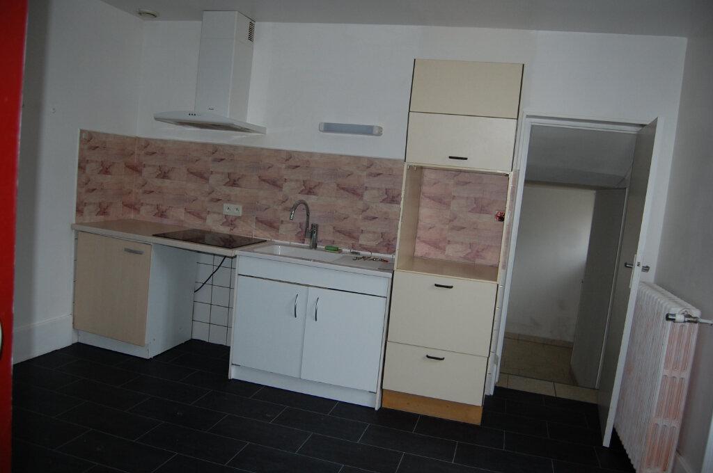 Maison à louer 5 153m2 à Saint-Satur vignette-5