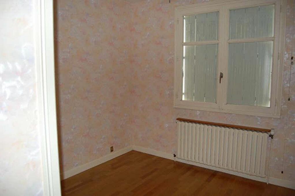 Maison à louer 4 108m2 à Sancerre vignette-7