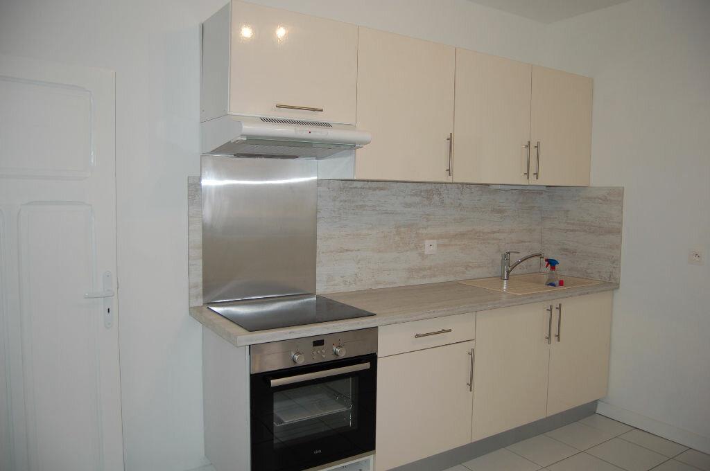 Appartement à louer 3 63m2 à Saint-Satur vignette-1