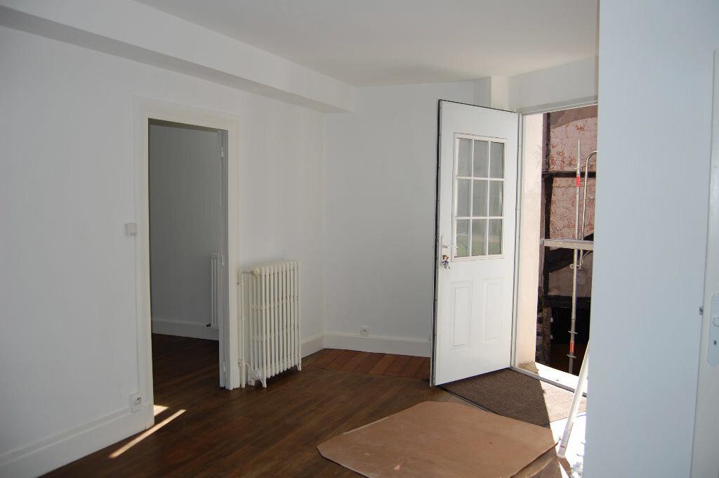 Appartement à louer 3 63m2 à Saint-Satur vignette-2