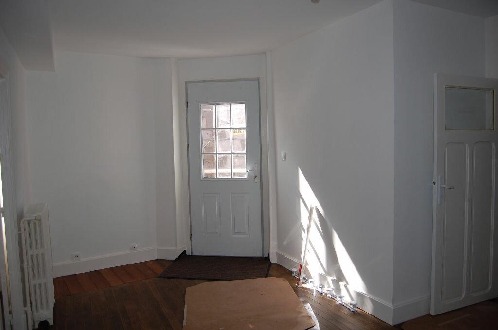 Appartement à louer 3 63m2 à Saint-Satur vignette-3