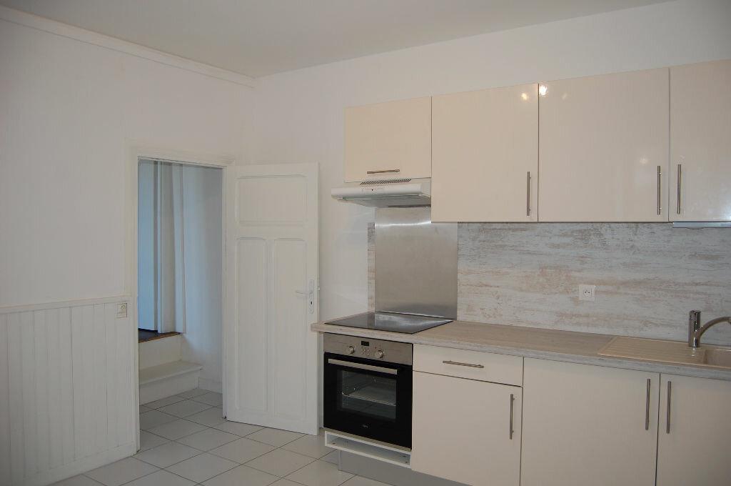 Appartement à louer 3 63m2 à Saint-Satur vignette-4