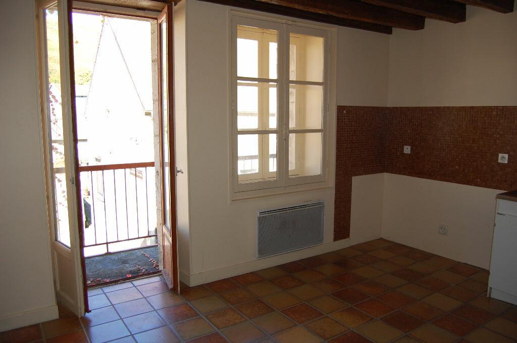 Maison à louer 3 80m2 à Sancerre vignette-5
