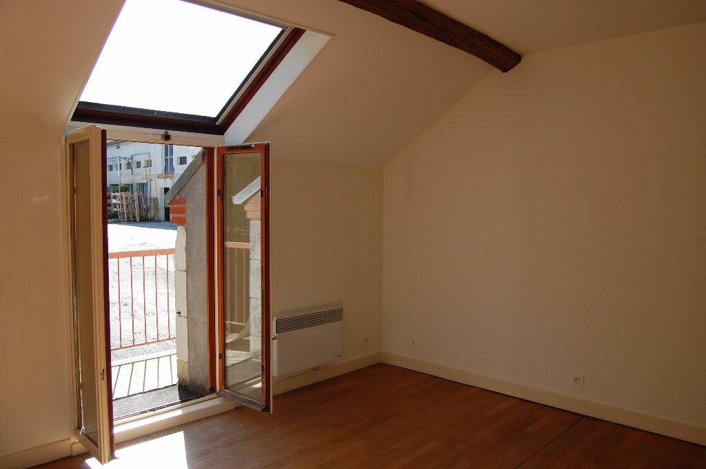 Maison à louer 3 80m2 à Sancerre vignette-9
