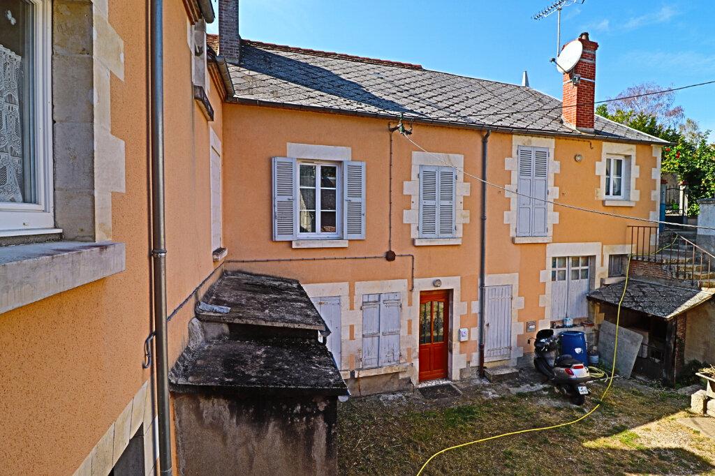 Immeuble à vendre 0 101m2 à Saint-Satur vignette-3