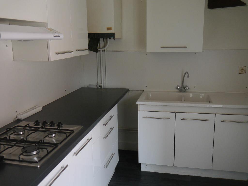 Appartement à louer 2 55m2 à La Charité-sur-Loire vignette-1