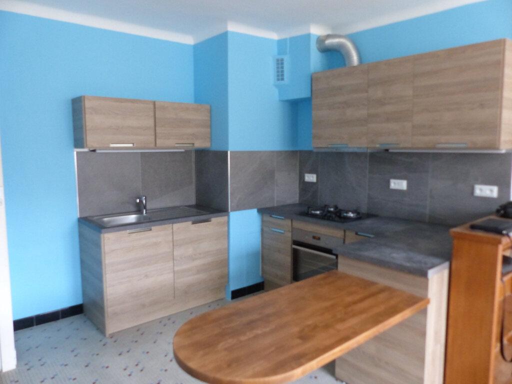 Appartement à louer 3 51m2 à Cosne-Cours-sur-Loire vignette-1