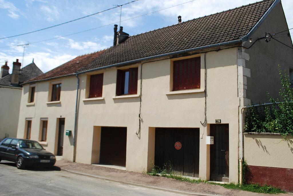 Immeuble à vendre 0 122m2 à Cosne-Cours-sur-Loire vignette-1