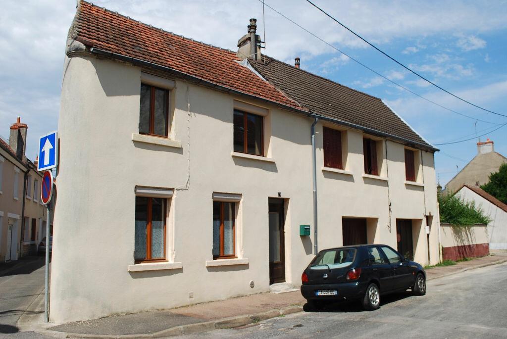 Immeuble à vendre 0 122m2 à Cosne-Cours-sur-Loire vignette-2