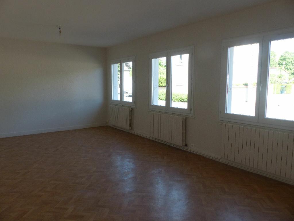 Appartement à louer 2 62m2 à Cosne-Cours-sur-Loire vignette-2