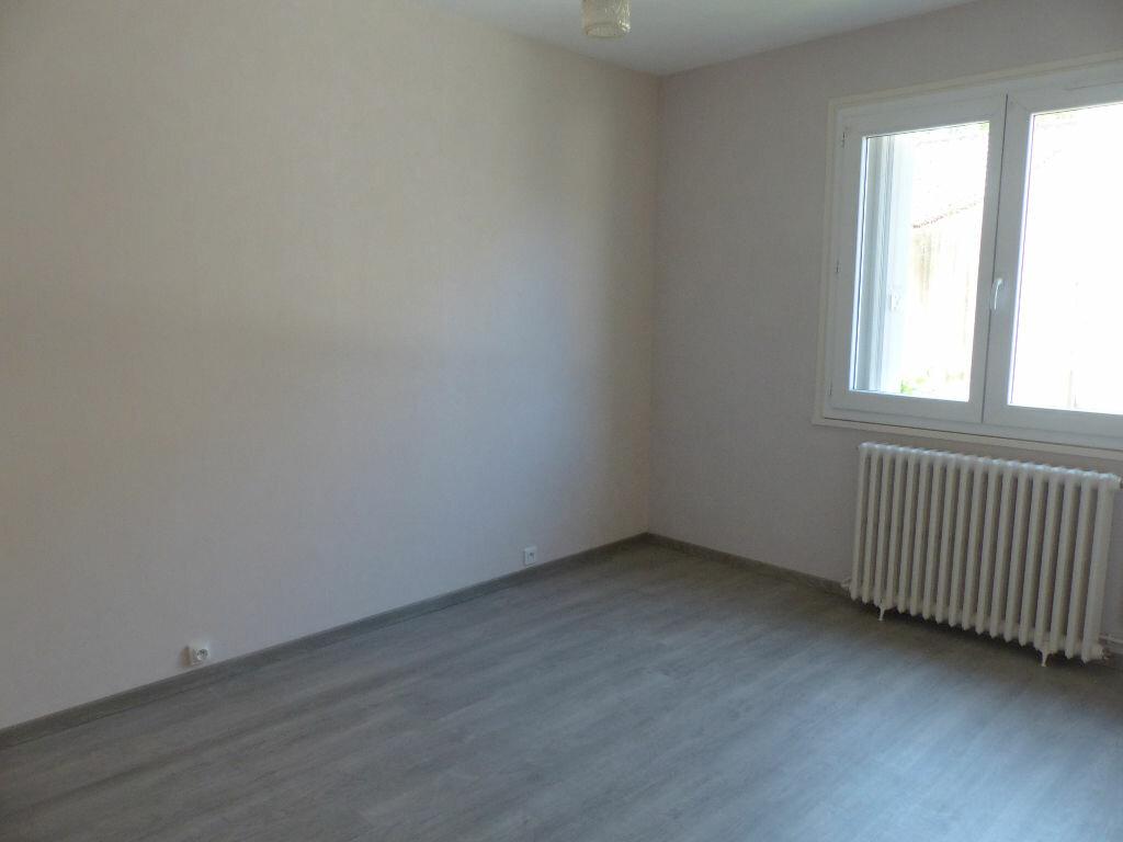 Appartement à louer 2 62m2 à Cosne-Cours-sur-Loire vignette-5