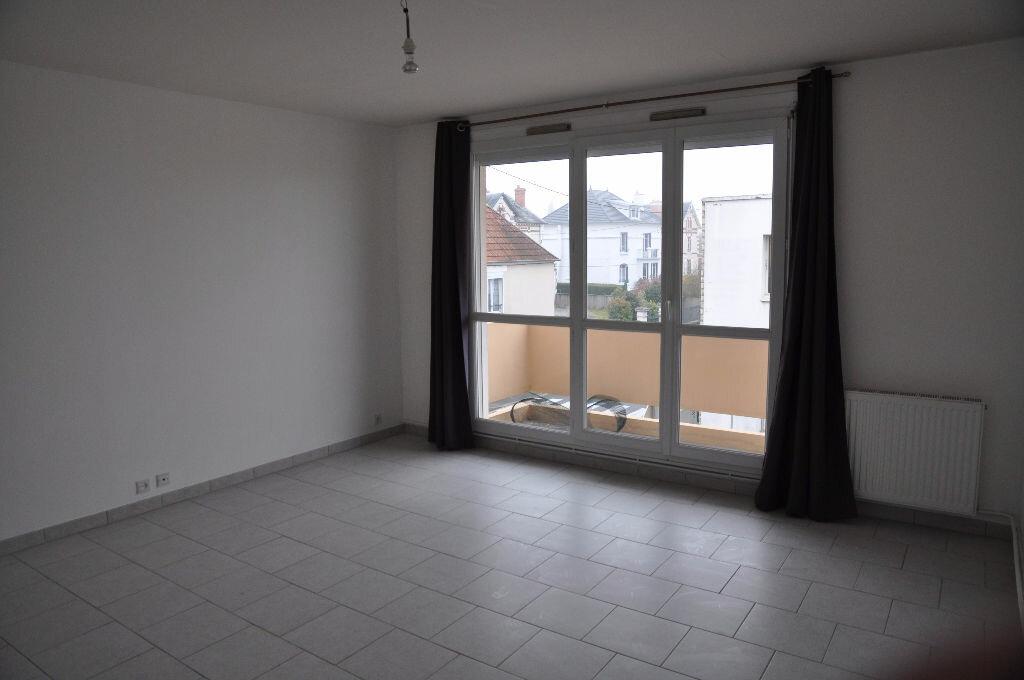 Appartement à louer 2 51m2 à Cosne-Cours-sur-Loire vignette-1