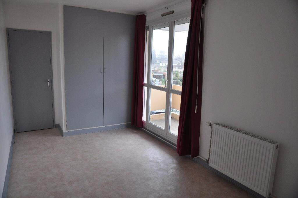 Appartement à louer 2 51m2 à Cosne-Cours-sur-Loire vignette-3