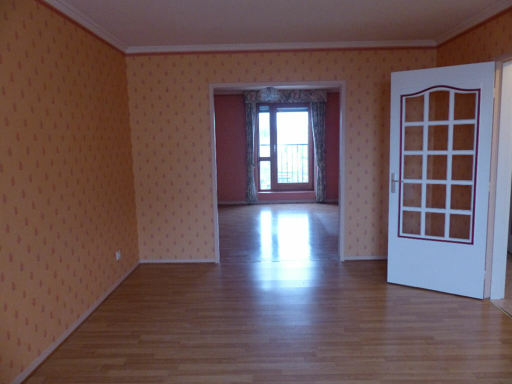 Appartement à louer 2 63.78m2 à Cosne-Cours-sur-Loire vignette-1