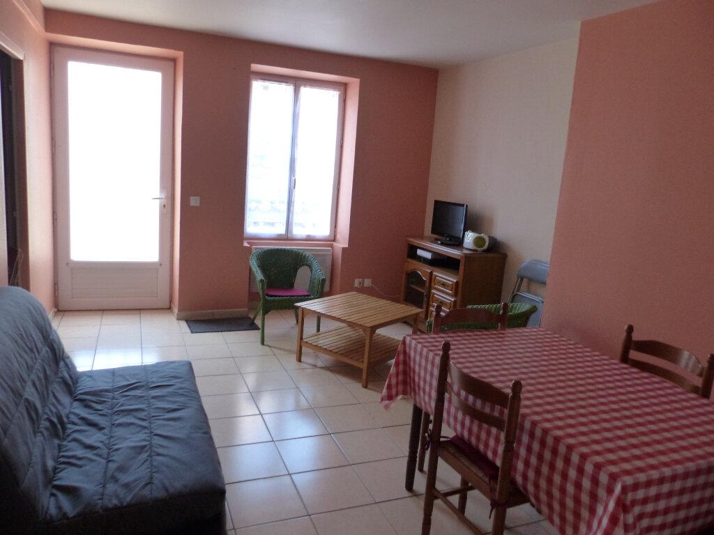 Appartement à louer 2 44m2 à Cosne-Cours-sur-Loire vignette-2