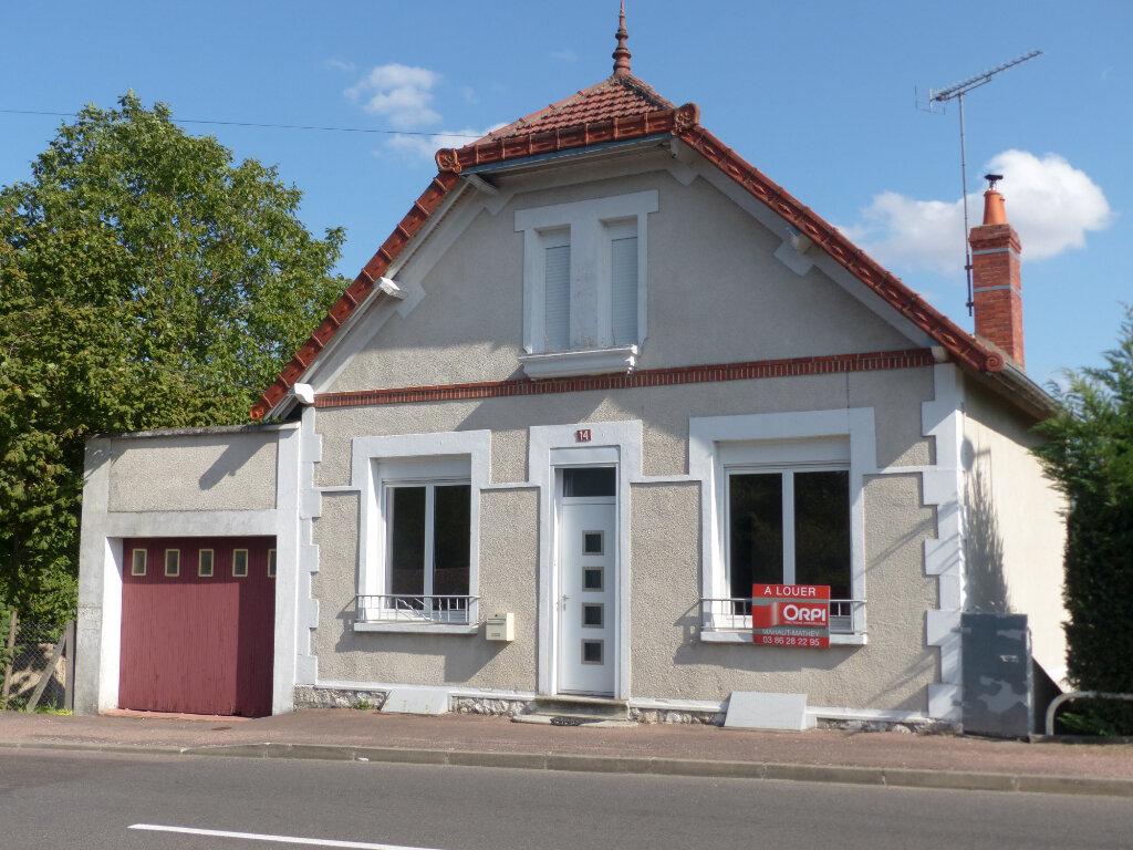 Maison à louer 4 76m2 à Cosne-Cours-sur-Loire vignette-1