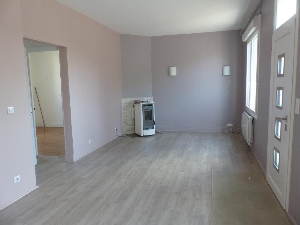 Maison à louer 4 76m2 à Cosne-Cours-sur-Loire vignette-2
