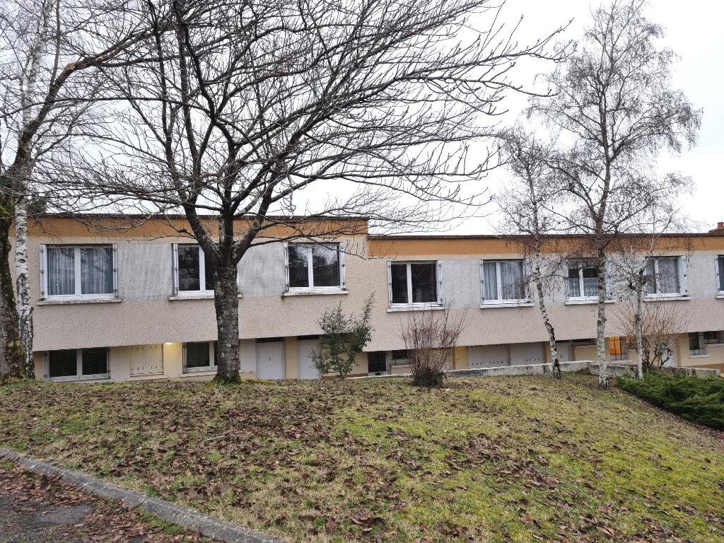 Appartement à louer 3 95m2 à La Charité-sur-Loire vignette-1