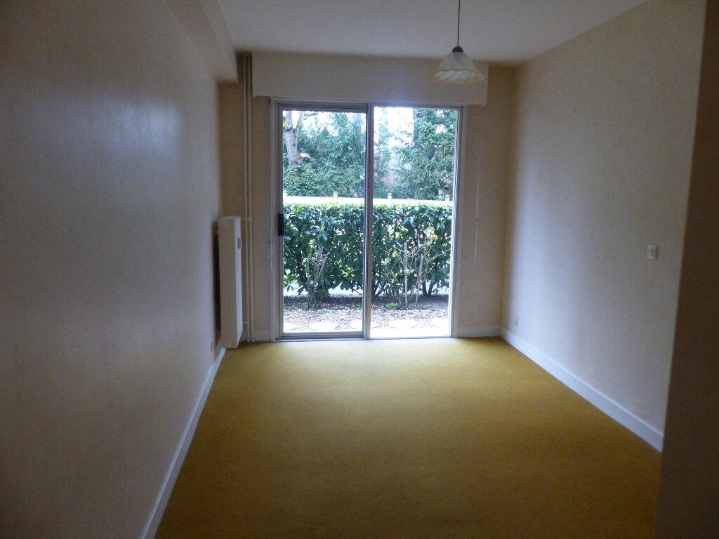 Appartement à louer 3 78m2 à Cosne-Cours-sur-Loire vignette-3