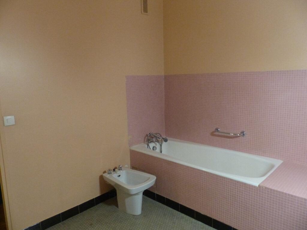 Appartement à louer 3 78m2 à Cosne-Cours-sur-Loire vignette-6