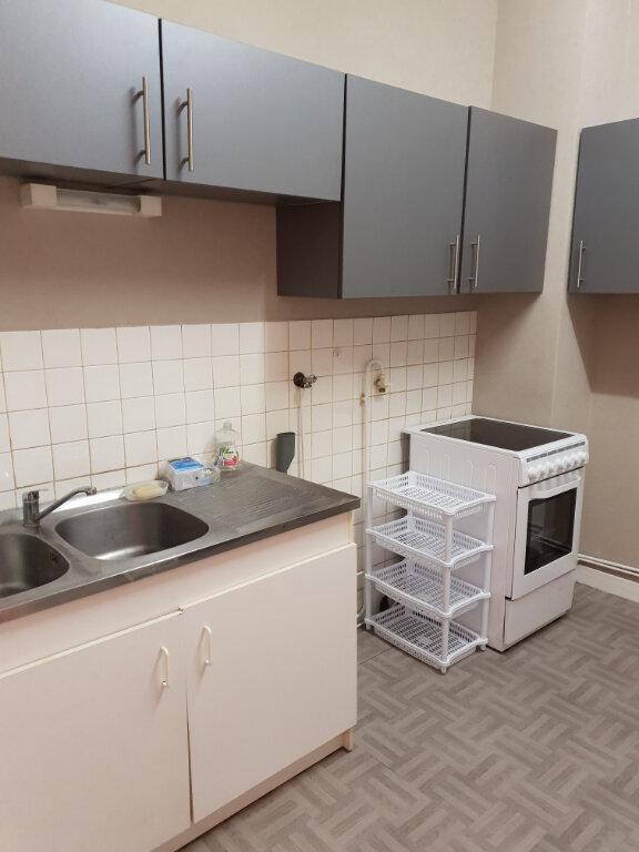 Appartement à louer 3 65m2 à La Charité-sur-Loire vignette-1