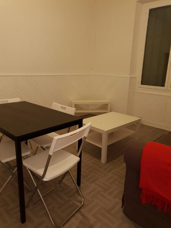 Appartement à louer 3 65m2 à La Charité-sur-Loire vignette-3