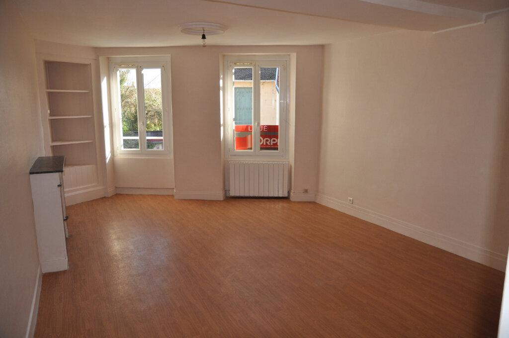 Appartement à louer 1 43m2 à Cosne-Cours-sur-Loire vignette-2