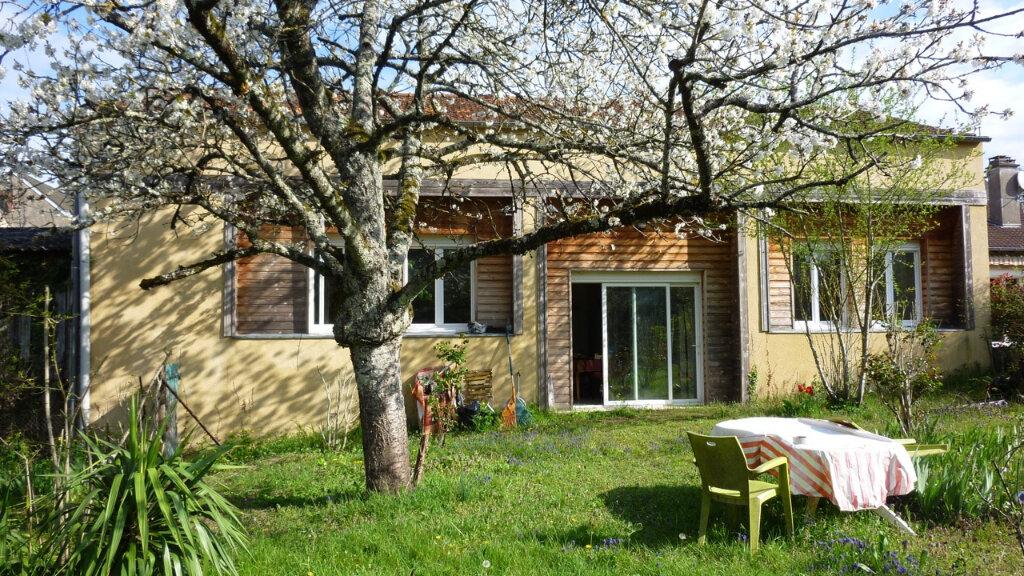Maison à vendre 6 241m2 à La Charité-sur-Loire vignette-1
