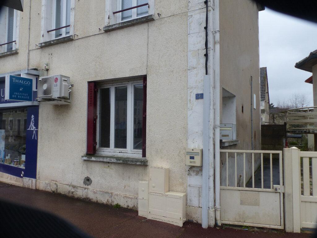 Maison à louer 4 90m2 à Neuvy-sur-Loire vignette-5