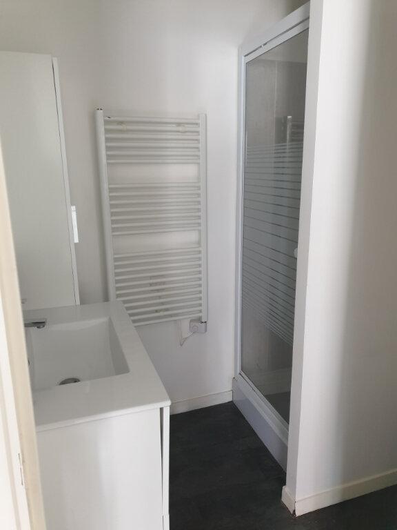 Appartement à louer 1 33m2 à La Charité-sur-Loire vignette-4