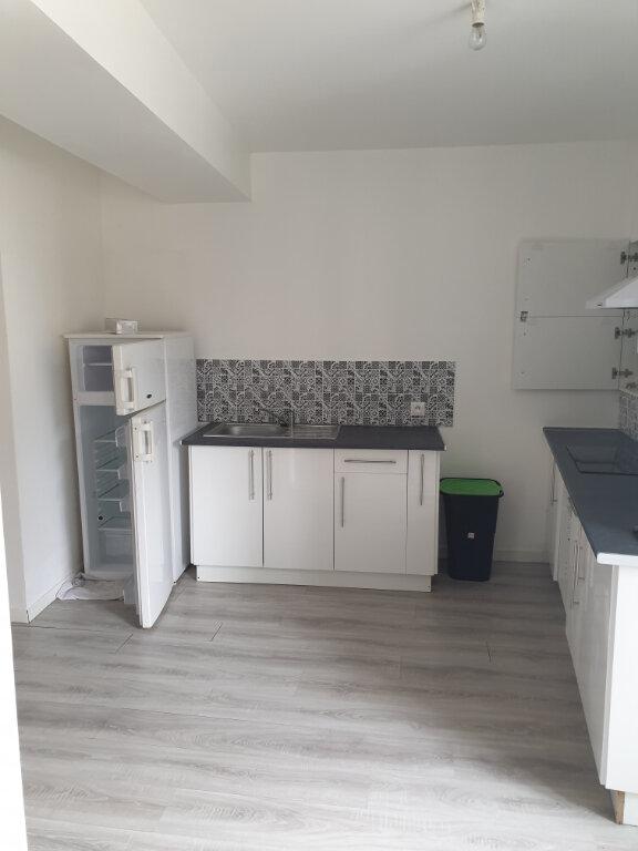 Appartement à louer 1 33m2 à La Charité-sur-Loire vignette-5